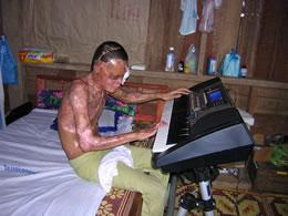 Pheng with keyboard